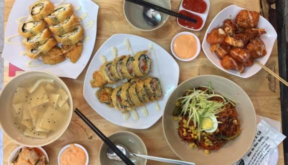 nhà hàng ăn trưa đường Cộng Hòa