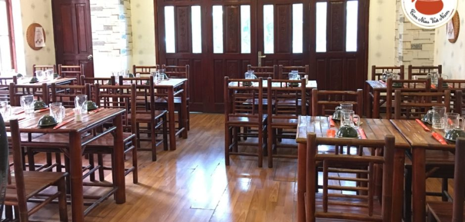 Nhà hàng phục vụ món canh chua nấu khế gần sân bay